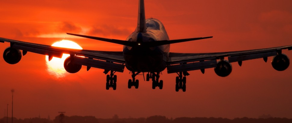 De Schiphol Route: Wat doe je al die uren op de luchthaven?