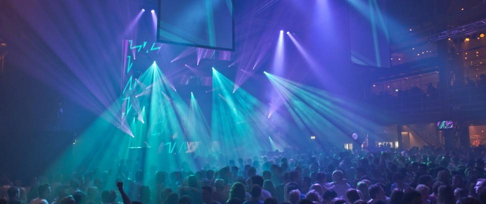 De leukste clubs van Amsterdam-Route: Dan kan je die mooie outfit ook eens aan