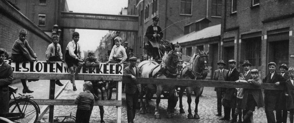 De Geschiedenis van Amsterdam-Route: Wat gebeurde er op deze plek eeuwen geleden?