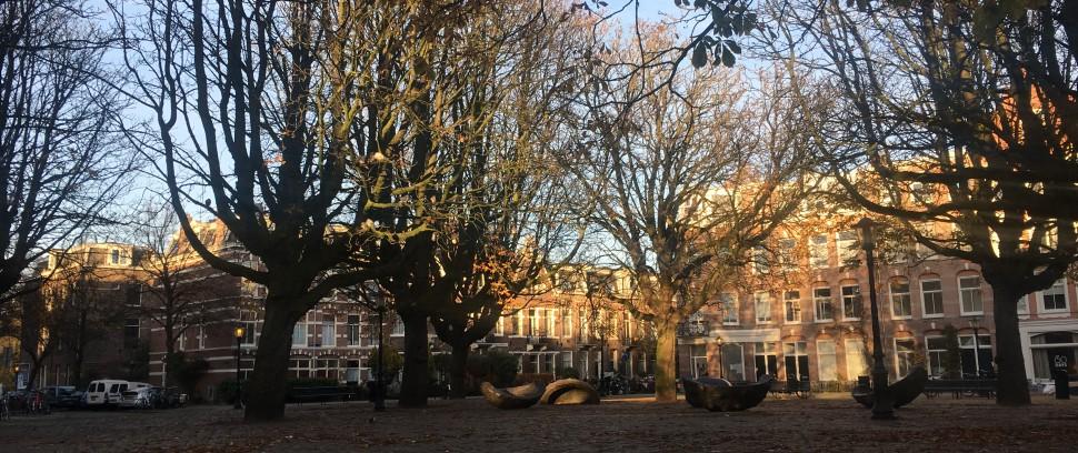 Oost vs. West: het mooiste plein van Amsterdam
